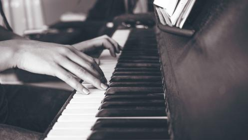 piano, keyboard, black and white, musical, instrument, music, hand, finger