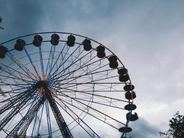 ferris wheel, amusement park, fair, sky, clouds, cloudy