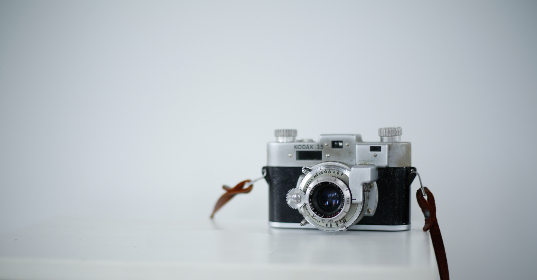 camera,   lense,   photography,   retro,   photographer,   minimal,  	vintage,   kodak,  film,  background,  copyspace,  analog