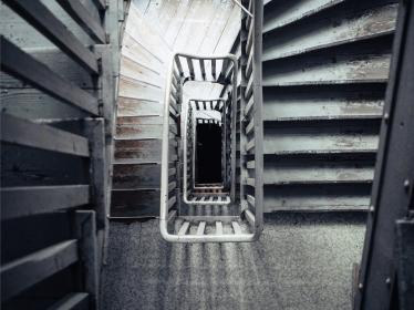 stairwell, staircase, stairway, stairs, steps