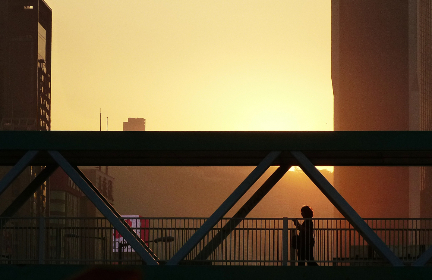 bridge,   silhouette,   city,   modern,   skyline,   cityscape,   engineering,   architecture,   walking,   urban,  person,  sunset,  buildings,  figure