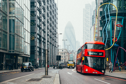 red,  bus,  london,  double-decker,  uk,  england,  street,  busy,  traffic,  skyscraper,  building,  transport