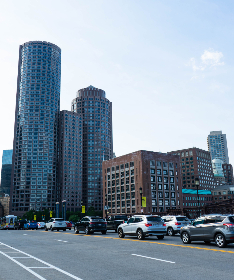 tall,   building,   city,   downtown,   urban,   windows,   architecture,   glass,   style,   exterior,   office,   sky,   clouds,   brick,   business,  cars,  traffic