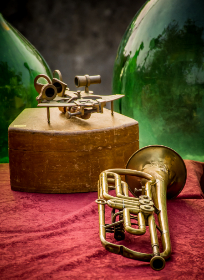 brass,   old,   trumpet,   blues,   background,   antiquity,   instrument,   orchestra,   closeup,   style,   wind,   music,   sound,   yellow,   musician,   isolated,   carnival,   antiques,   melody,   tune,   troubadour,   vintage,   entertainment,   brown,   shiny,   loudly,   aged,   retro,