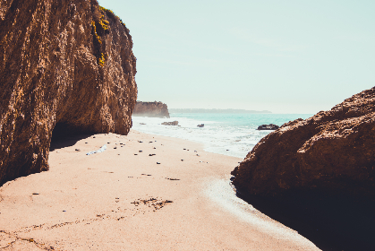 beach,   hot,   sea,   water,   ocean,   rocks,   cliff,   coast,   mist,   travel,   tourism,   misty,   nature,   sand,   tropical,   waves
