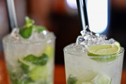 beverages, wine, glass, bokeh, drinks, fruit, juice, bar, alcohol, ice, cold