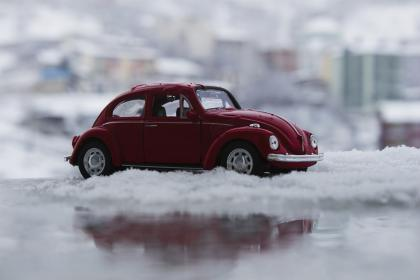 car, vehicle, toy, snow, winter, reflection, blur