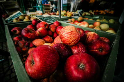 market,  red,  apples,  shop,  store,  fresh,  food,  fruit,  pear,  green,  basket