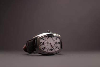 still, items, things, wrist, watch, time, rectangle, square, numerals, studio, bokeh
