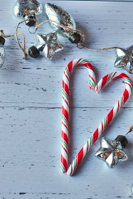 candy,   canes,   christmas,   heart,   pair,   candycane,   holiday,   sweet,   rustic,   wood,   background,   copyspace,   peppermint,   love,   striped,   wooden,   xmas,  ornaments