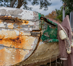 boat,   shipwreck,   background,   shoreline,   seascape,   shore,   coast,   seaside,   fishing,   sea,   wooden,   beach,   wreck,   coastal,   abandoned,   weathered,   seashore