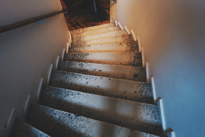 stairs,   indoor,   interior,   staircase,   steps,   house,   functional,   old,   used,   down,  home,  light