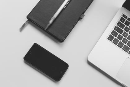 macbook, laptop, computer, technology, iphone, mobile, objects, notepad, pen, desk, office, business, black and white