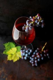 food, fruit, grapes, wine, alcohol, glass, eat, drink, dessert, leaves, presentation, blur