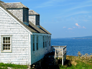 free photo of ocean   cottage