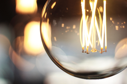 vintage,  lightbulb,  bkoeh.light,  glow,  filament,  electrical,  close-up,  reflection