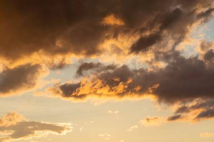 sunset,   clouds,   sky,   colorful,   nature,   outdoors,   beautiful,   dusk,   evening,   environment,   climate,   weather,   warm,   sunrise