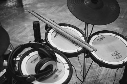 electric, drum, set, musical, instrument, sounds, drumstick, music, studio, headphones, headset, black and white