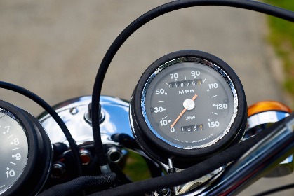 vintage,   motocycle,   gauges,   old,   cycle,   speedometer,   chrome,   retro,   motorbike,   custom,   bike,   transportation,   ride,  mph,  cables