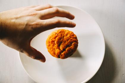 muffin, bun, food, hands, plate