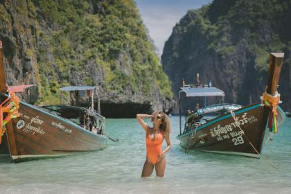 boat, sailing, water, transportation, rocks, hill, sea, water, people, woman, sexy, summer, vacation, travel, beach