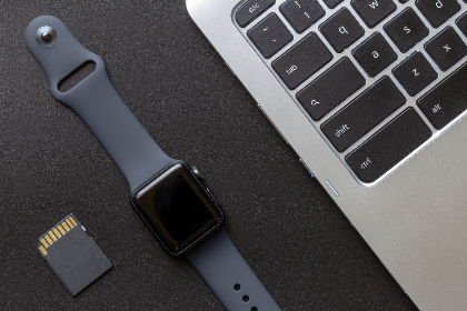 apple,   watch,   technology,   wearable,   gear,   smartwatch,   dark,   space gray,   texture,   flat lay,   top,   background,   macro,   close up,   equipment,   accessories,   device,   digital,   gadget,   wireless,  laptop,  keyboard