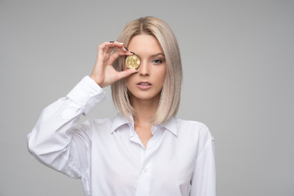 bitcoin,  finance,  cryptocurrency,  blond,  businesswoman,  woman, female, commerce, shop, dollar, money