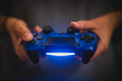 sony, playstation, ps4, video games, gaming, controller, hands