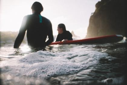 friends, people, girl, guy, surfing, board, sport, sea, water, mountain, sunshine, summer, blur