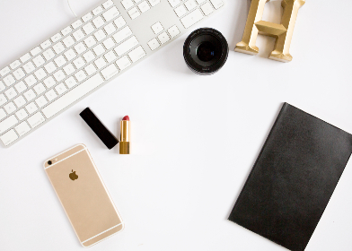 top,   workspace,   office,   computer,   smartphone,   technology,   business,   phone,   freelance,   flat lay,   desk,   keyboard,   lens,   copyspace,   devices,  lipstick,  journal
