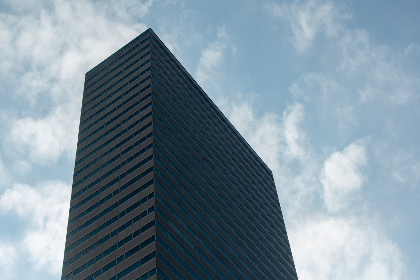 skycraper,   clouds,   building,   city,   tall,   windows,   glass,   architecture,   design,   sky,   exterior,   business,   office,   downtown,  silhouette,  clouds