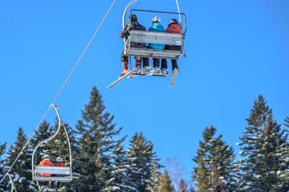 ride, blue, clouds, sky, snowboarding, sport, fun, hobby, trees, cable car, people, snow, cold, weather