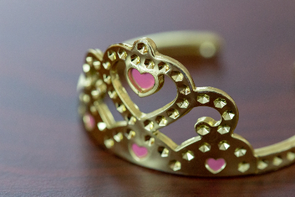 shiny,  gold,  crown,  object,  macro,  close up,  royal,  toy,  plastic,  table,  texture,  queen,  heart,  princess,  jewelry