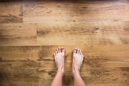 free photo of barefoot  bare