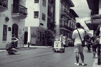 Photographers, Panama, streets, city, buildings, apartments, balconies, people, architecture