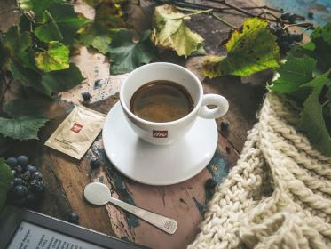 coffee, latte, art, espresso, spoon, coffee shop, caffeinated, cup, leaves, grapes, wooden