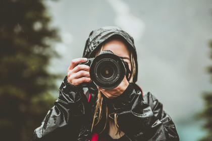 camera,  girl,  mountains,  tree,  nature,  photography,  photo,  photograph,  blonde,  woman,  cute,  rain,  mountain,  alberta,  banff,  canon,  photographer, coat, jacket, lens