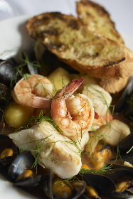 seafood,  dish,  plate,  shrimp,  mussels,  shellfish,  bread,  gourmet,  restaurant,  diner,  meal,  baguette,  cooked,  fresh,  close up,  food
