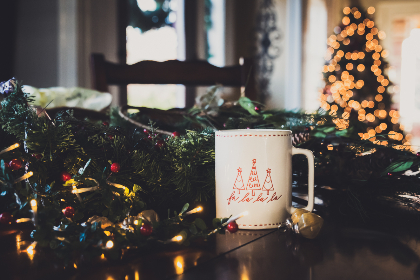 christmas,  background,  tree,  coffee,  mug,  cup,  table,  festive,  lights,  bokeh,  holiday,  xmas,  beverage,  celebration,  green