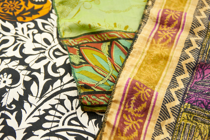 sari,   fabric,   background,   silk,   indian,   textile,   scarf,   cloth,   material,   colorful,   woven,   elegant,   sewing,   vibrant,   culture,   abstract,   clothing,   pattern,   ornate,  silks,  soft
