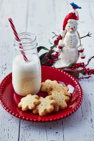 milk,   cookies,   christmas,   festive,   holiday,   shortbread,   snack,   sweets,   food,   rustic,   wood,   glass,   jar,   straw,   plate,   cookie,   ornaments,  snowman