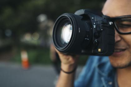 people, man, camera, photographer, lens, shutter, iso, aperture, eyeglasses, bokeh, nikon
