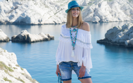 girl, woman, people, beautiful, beauty, model, fashion, clothes, trendy, france, hippie, bohemian, lifestyle, look, nature, lake, water, peace, hat, necklace