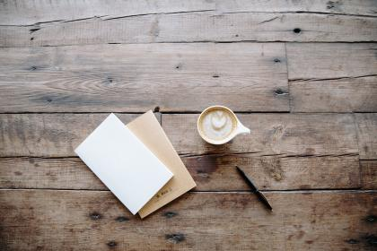 notepad, notebook, journal, pen, writing, cafe, coffee, latte, cappuccino, wood