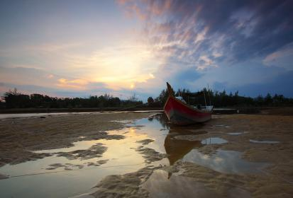 beach, sand, sea, water, low, tide, nature sky, clouds, sunset, boat, rope, trees, reflection