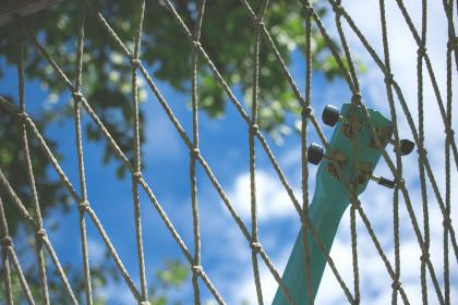 still, items, things, guitar, netting, mesh, rope, trees, leaves, sky, clouds, bokeh