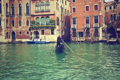 gondola, Venice, Italy, water, boats, houses, apartments, city, buildings, architecture
