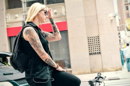 people, woman, tattoo, art, bicycle, bike, shades, sunglasses, black, earphones, music, sound