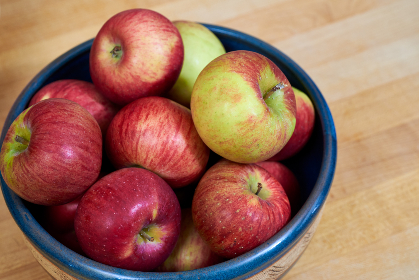 bowl apples