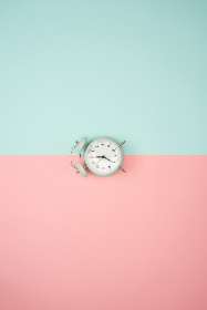 clock pastelbackground